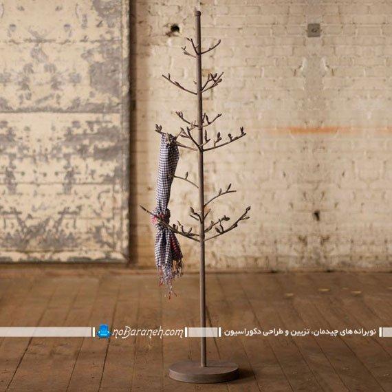 جالباسی ایستاده شاخه درختی