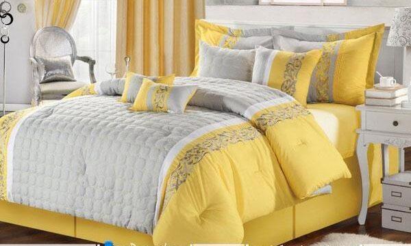 روتختی و روبالشی طرحدار با رنگ بندی زرد و طوسی، روتختی شیک و زیبا با رنگ بندی زرد، طراحی دکوراسیون اتاق خواب با رنگ زرد