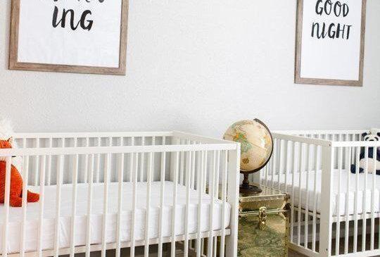 تخت خواب دو قلو ساده و سفید رنگ برای اتاق کودکان نوزاد، مدل ساده و ارزان تخت خواب کودکان نوزاد، عکس و مدل تزیین و چیدمان اتاق خواب کودک نوزاد دختر و پسر