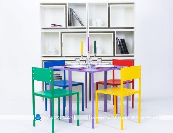 کتابخانه کمجا با میز و صندلی