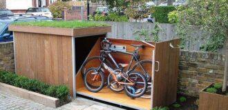 طراحی و ساخت پارکینگ برای دوچرخه ها در فضای خارجی خانه، پارکینگ چوبی سرپوشیده برای قرار دادن و پارک دوچرخه ها در حیاط خانه و محافظت در برابر باد و باران و سرقت