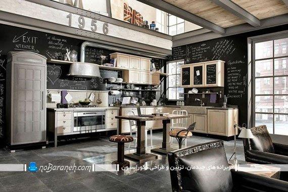 طراحی دیوار آشپزخانه به شکل تخته سیاه. طراحی هنزی و شیک آشپزخانه. مدل کابینت کرم رنگ آشپزخانه. ایده های خلاقانه تزیین دیوار آشپزخانه