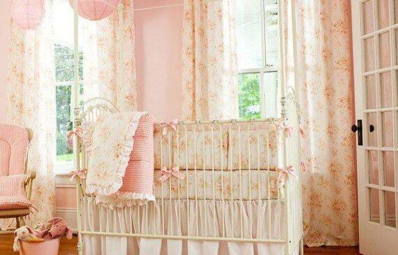 تزیین اتاق خواب نوزاد دختر با تزیینات شیک و زیبا