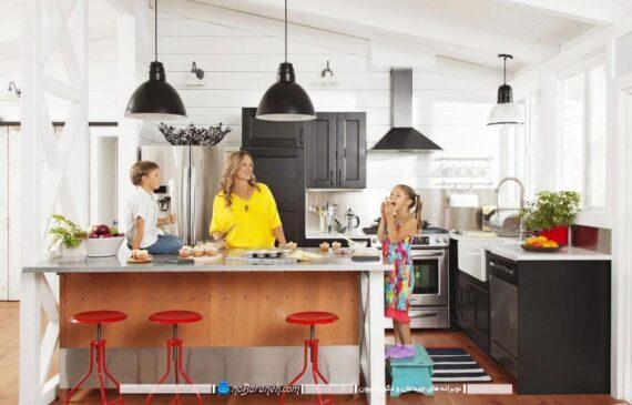 معماری جزیره ای در آشپزخانه اپن به شکل مدرن و زیبا