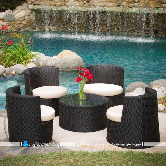 چیدمان میز و صندلی در حیاط خانه و ویلا