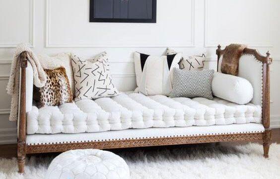 کاناپه سلطنتی و تخت شو سفید رنگ