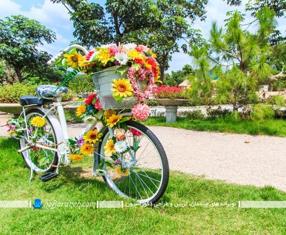 تزیین باغچه با دوچرخه قدیمی