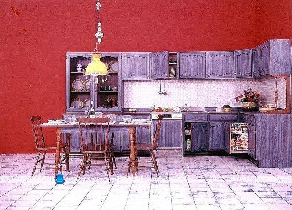 دیزاین داخلی آشپزخانه با رنگ بنفش
