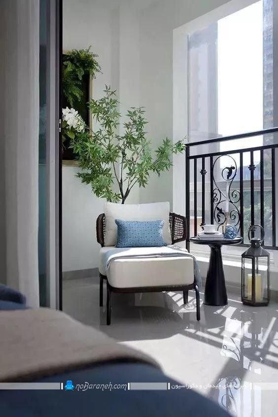چیدمان صندلی راحتی در بالکن و تراس شیشه ای در مدل های متنوع شیک مدرن.