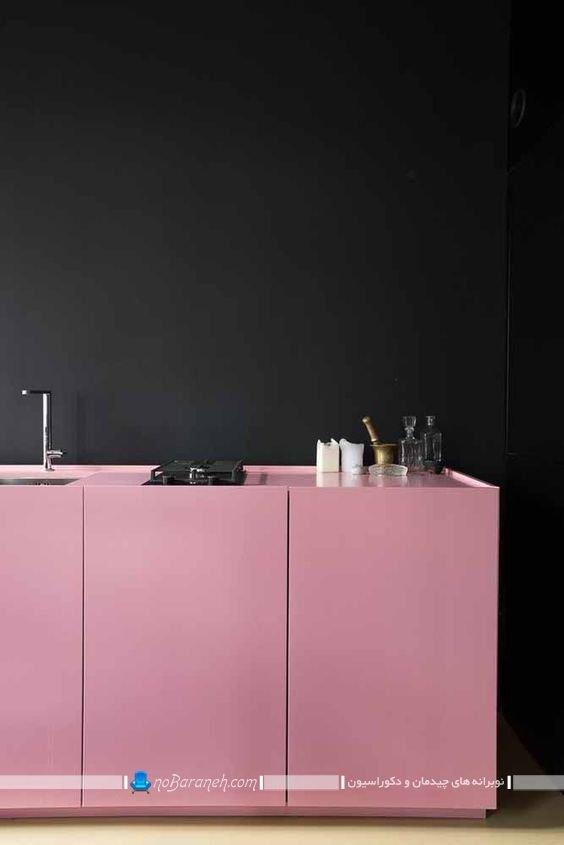 دکوراسیون آشپزخانه با دیوار سیاه و کابینت صورتی به شیک ترین شکل ممکن. کابینت مدرن صورتی رنگ برای آشپزخانه عروس در مدل های متنوع.