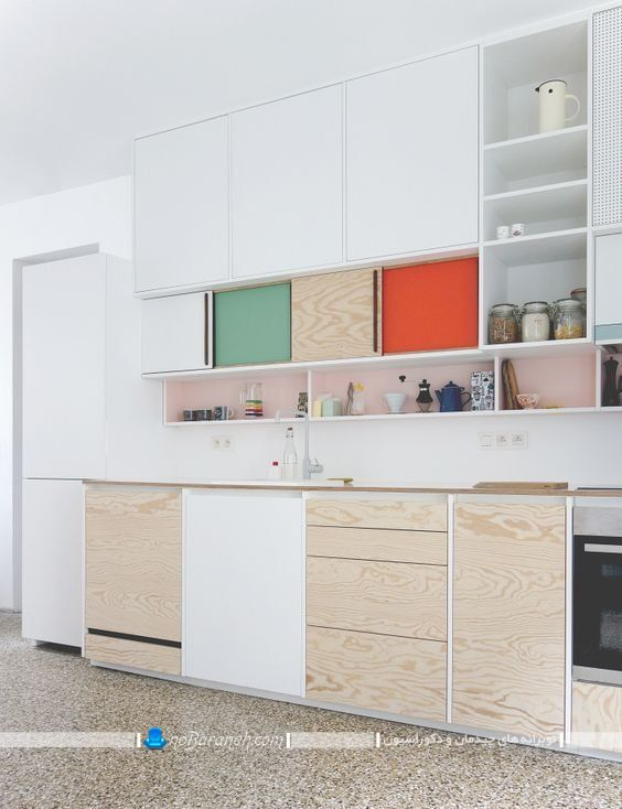تزیین آشپزخانه با رنگ های شاد. جدیدترین مدل کابینت آشپرخانه با رنگ بندی سفید و طرح چوب در طرح های مدرن شیک. دکوراسیون آشپزخانه با رنگ سفید و طرح های چوبی.