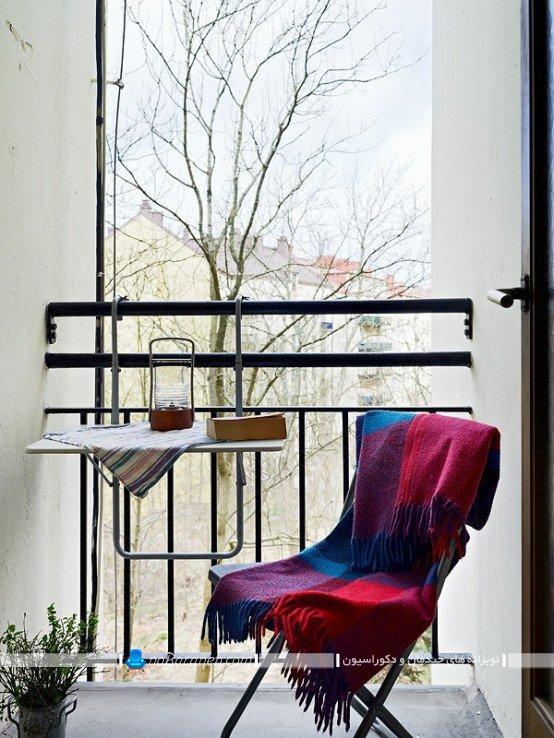 چیدمان و دیزاین ساده تراس خانه ، میز و صندلی کوچک تک نفره برای تراس و بالکن