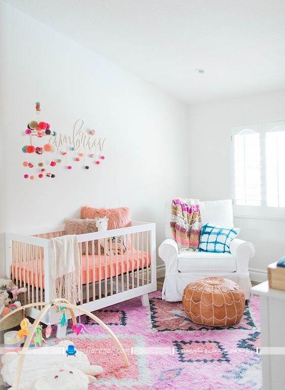رنگ آمیزی اتاق کودک نوزاد ، دکوراسیون شیک و زیبا اتاق نوزاد با رنگ سفید ، سیسمونی رنگ روشن برای اتاق نوزاد دختر
