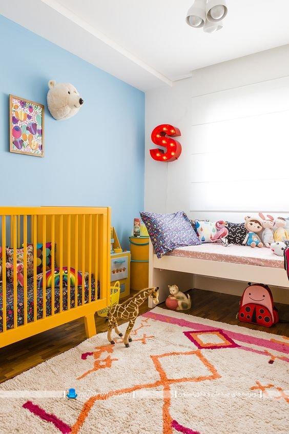 تزیین اتاق کودک نوزاد با رنگهای شاد، رنگ بندی شاد و شیک برای اتاق خواب نوزاد ، عکس اتاق خوابهای شیک و مدرن اتاق بچه با طراحی دکوراسیون زیبا ، تخت خواب زرد رنگ نوزاد ، تزیینات دیواری اتاق بچه