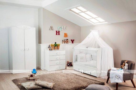 دیزاین و تزیین دخترانه اتاق نوزاد به سبک شیک مدرن فانتزی. سیسمونی اتاق نوزاد با رنگ بندی سفید