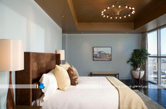 چیدمان گلدان در کنار پنجره اتاق خواب. ایده های شیک و مدرن برای تزیین اتاق با گل و گیاه
