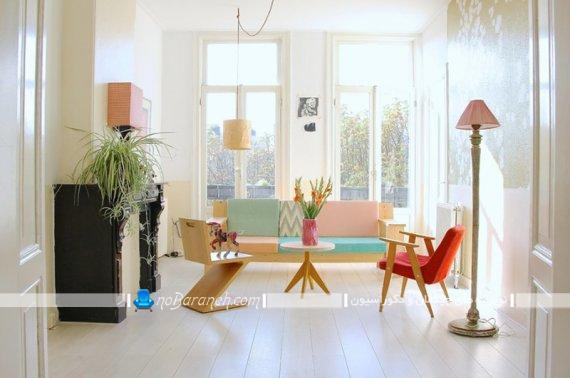 مبل راحتی با رنگ بندی پاستلی. مدل های جدید چیدمان اتاق پذیرایی. دکوراسیون شیک و مدرن اتاق پذیرایی.