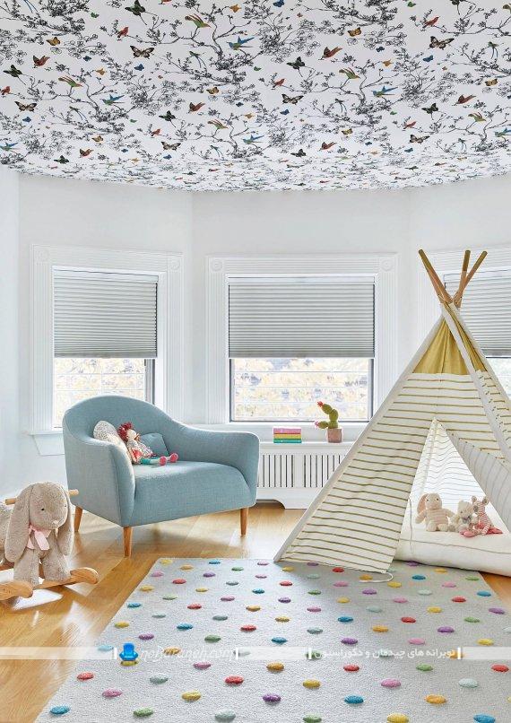 کاغذ دیواری برای تزیین سقف اتاق نوزاد. تزیینات ارزان قیمت اتاق کودک با قیمت ارزان شیک فانتزی مدرن.