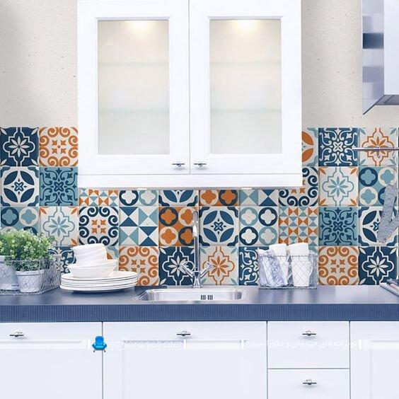 عکس تزیین شیک مدرن کلاسیک دیوار آشپزخانه با کاشی